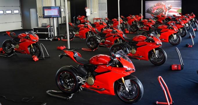 Ducati_1299_Panigale_S_-_07