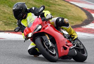 Ducati_1299_Panigale_S_-_08
