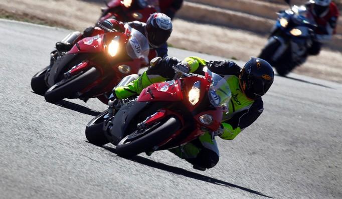 BMW_Testcamp_2015_-_Metzeler_Racetec_RR_-_03