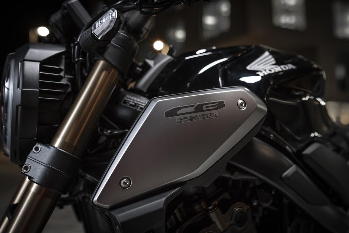 Honda CB650R 2019 - 02