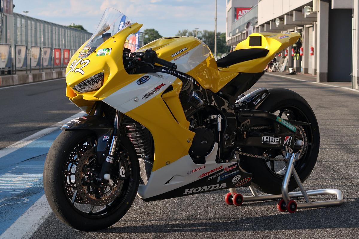 Race SC77 V2 - 01